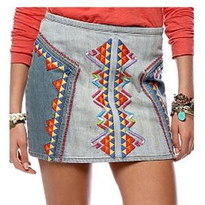 Free People sz 12 Embroidered Mini Denim Skirt